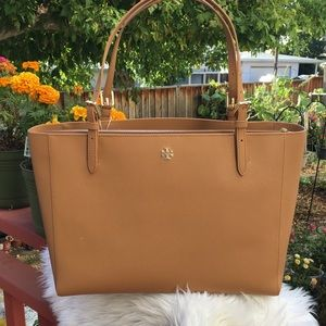 💥💥Tory Burch LG EMERSON BUCKLE TOTE